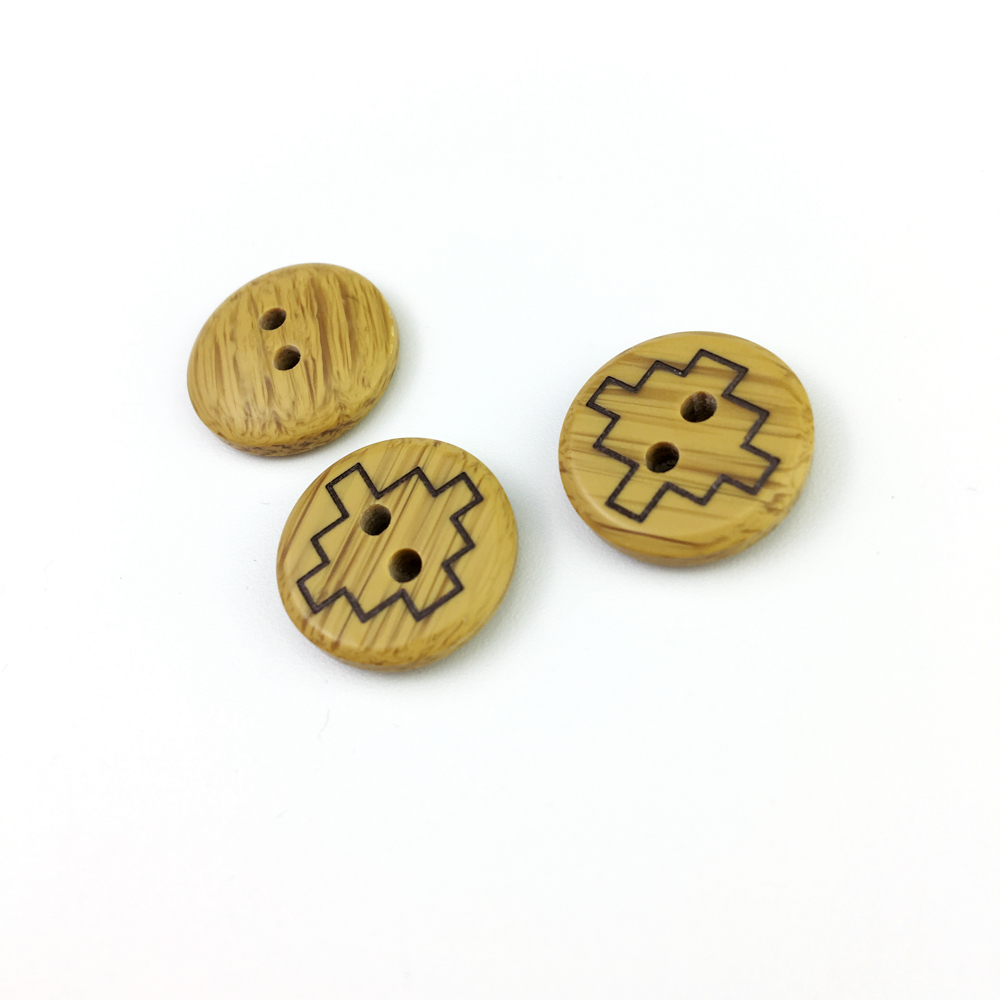 Custom laser logo 4 holes garment Round plastic Buttons for Clothes