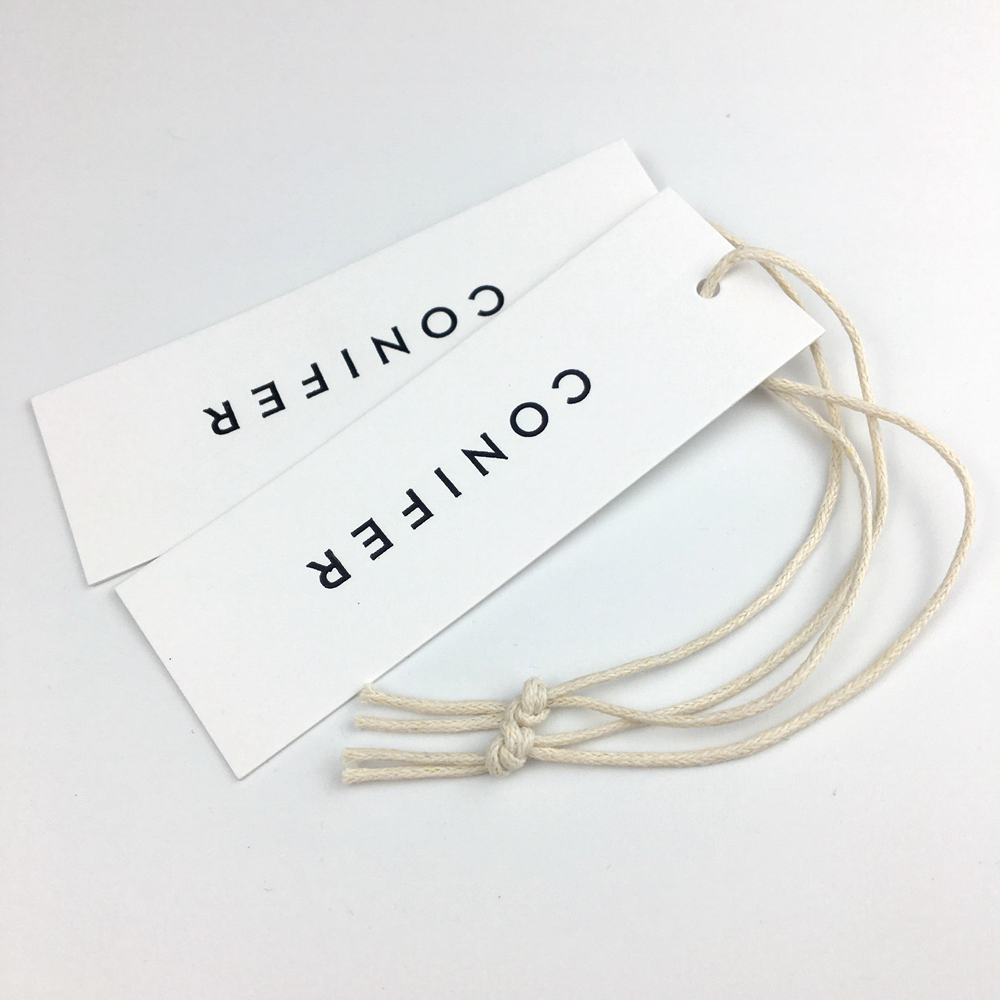 Customize high quality luxury white cardboard paper hang tag with matt surface for garments accessories